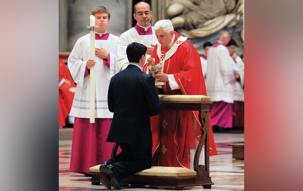 Benedict XVI: Casual attitude to reception of Holy Communion central to moral crisis in Church