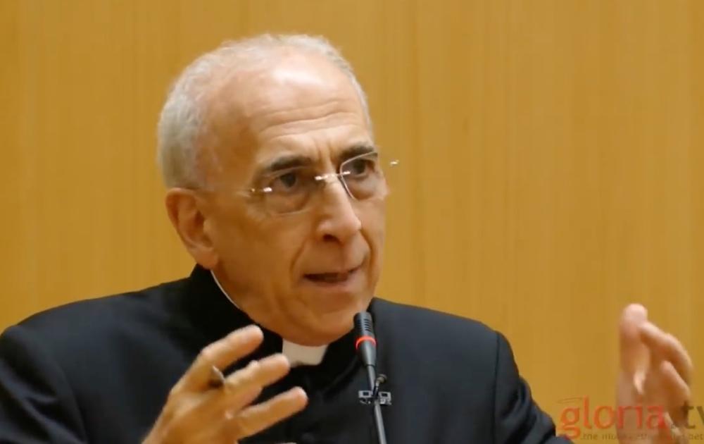 FAUT IL COUVRIR LA NUDITÉ DU PAPE ? Monsignor_Nicola_Bux_1_1_810_500_75_s_c1